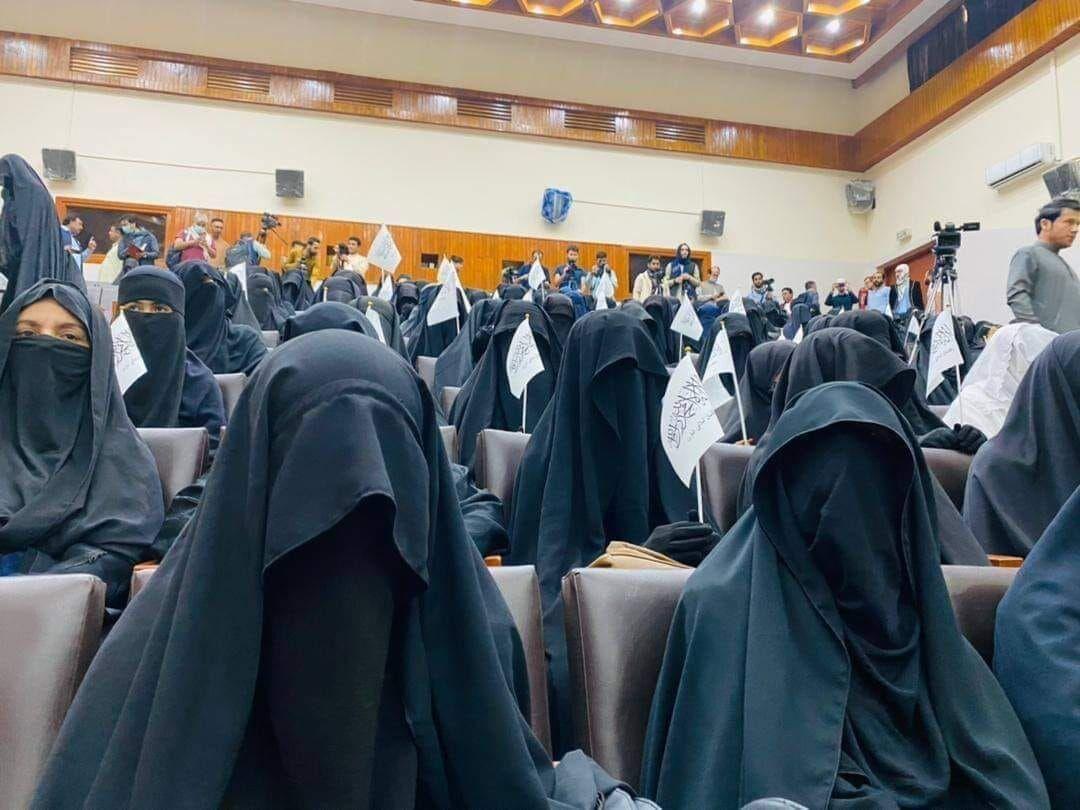 تجمع+زنان+افغانستان+در++حمایت+از+طالبان