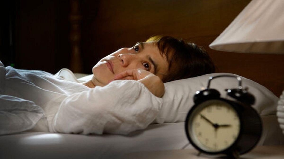 با علت از خواب پریدن در ساعات مختلف شب آشنا شوید