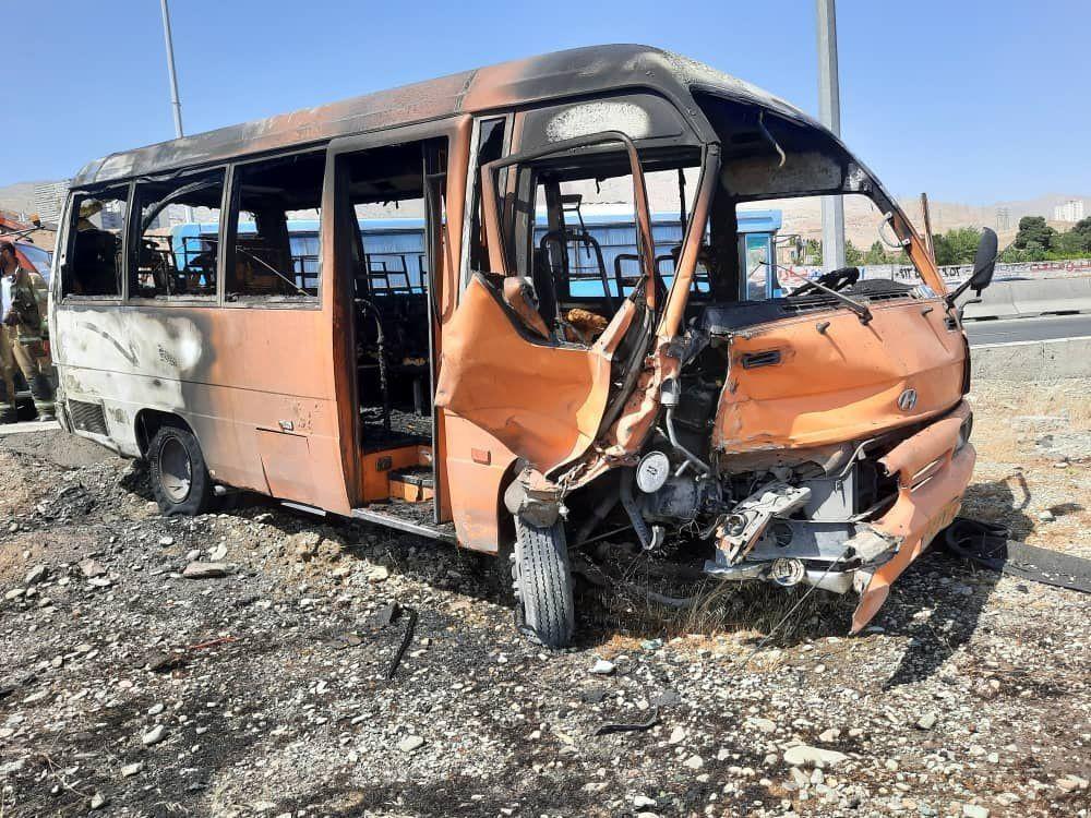 آتش گرفتن وحشتناک دو خودرو در اتوبان تهران-کرج/ آمار مصدومان اعلام شد+ عکس