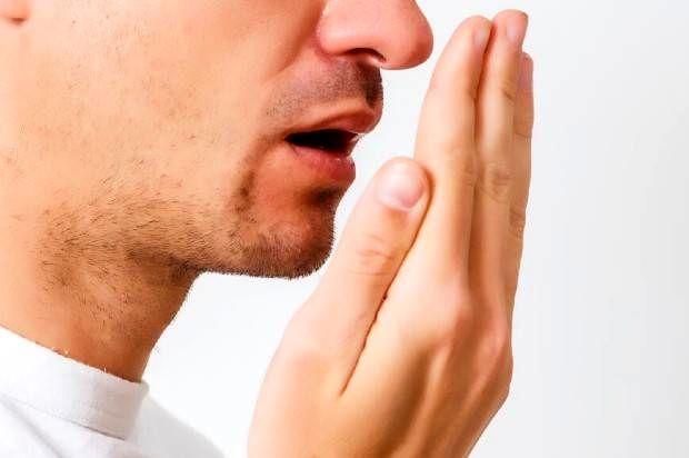علل و عوامل و روش درمان بوی بد دهان