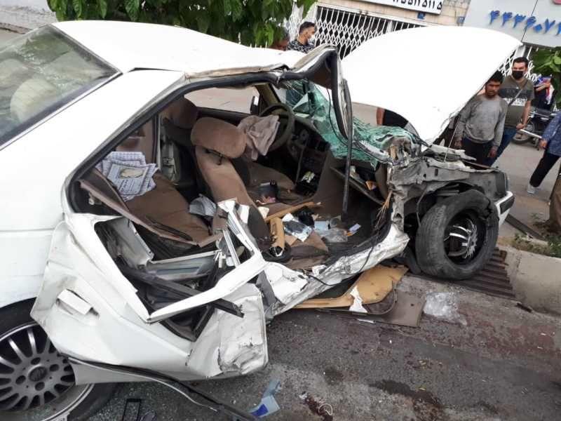 دعوا و بزن بزن بعد از تصادف دو پژو در خیابان آزادی تهران