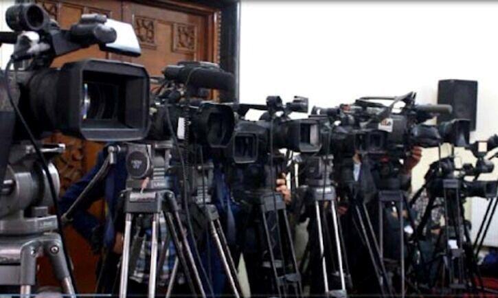 چالش بزرگ برای رسانههای افغانستان/ 153 نشریه توقیف شدند