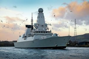 ناو انگلیسی حریم دریایی ما را برخلاف قوانین بین المللی نقض کرد