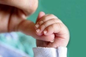 اقدام وحشیانه مادر بی اعصاب حین شیر دادن به نوزادش!