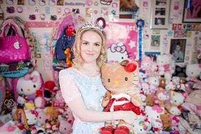 عروسکهای این دختر مانع ازدواجش هستند!+ عکس