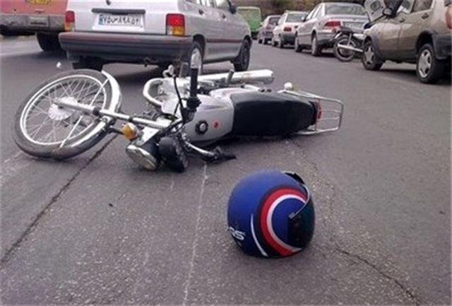 واژگونی فجیع 2 موتورسیکلت در خیابان امام خمینی (ره)