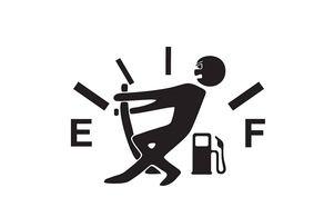 چرا نباید با سوخت کم خودرو را به حرکت درآوریم؟+ جزییات