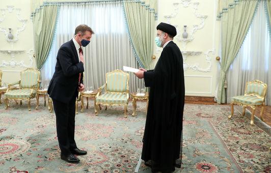 در حاشیه دیدار رئیس جمهور با سفرای انگلیس، بلاروس، اتریش و سریلانکا