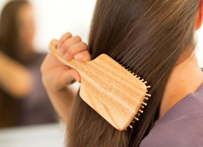 با ارزانترین روشهای خانگی برای کراتینه کردن موها+ روش