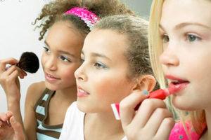 دختران چه زمانی آرایش کنند؟