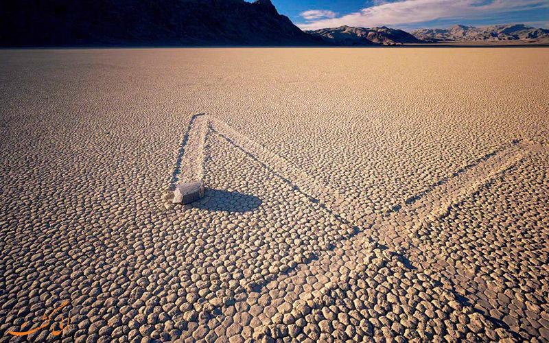 سنگهای این دره ترسناک را میروند!+عکس